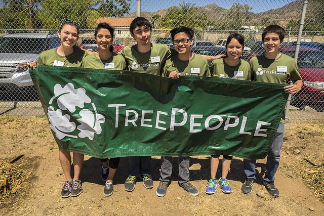 New Volunteer Supervisors Arianna Yunker, Jessica Garibay, Michael Hicks, Christian Pelayo, Cristina Garcia, and Jesse Flores.